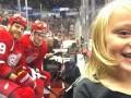Фото маленькой девочки со звездами НХЛ стало хитом в интернете