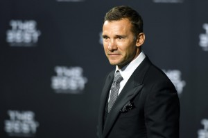 Шевченко вручил одну из наград на церемонии ФИФА