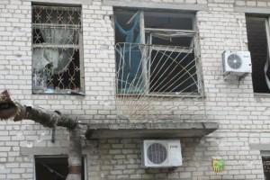 Разрушенное здание детского дома в Славянске