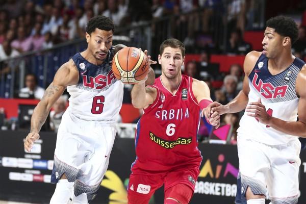 США легко побеждает Сербию