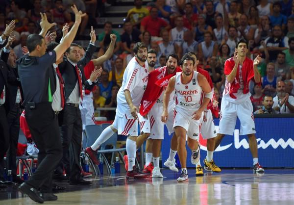 Турция радуется победе над Новой Зеландией