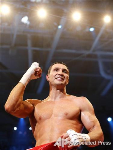 Пасхальная победа Владимира Кличко в присутствии Хайден  Панеттьери