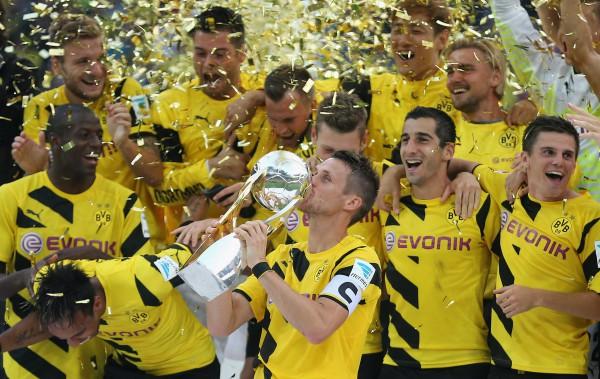Боруссия в пятый раз выиграла Суперкубок Германии