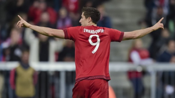 Роберт Левандовский забил три мяча в ворота Динамо Загреб