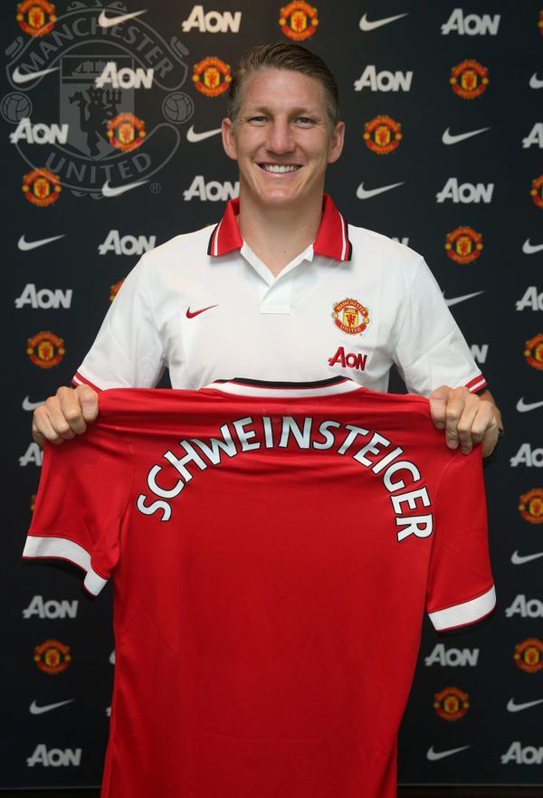 Бастиан Швайнштайгер перешел в Манчестер Юнайтед