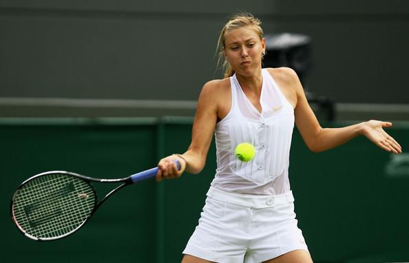 Теннисистки в нижнем белье