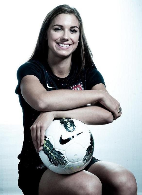Алекс Морган - сексуальная звезда женского футбола (ФОТО)