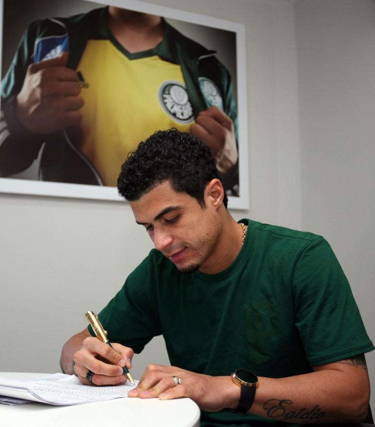 Эжидио оформил контракт с бразильским Палмейрасом