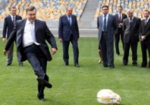 Пока Янукович забивал гол Киев стоял в пробках