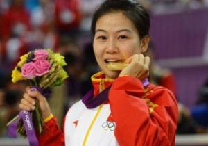 Первая золотая медаль лондонской Олимпиады едет в Китай