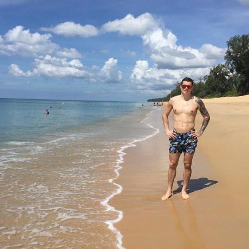 Полузащитник полтавской Ворсклы Артем Громов на одном из курортов Таиланда