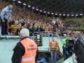 Брутальный польский тренер хотел подраться с ультрас на стадионе