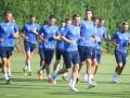 Тренировку Динамо посетил болельщик с ограниченными возможностями