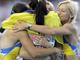Олеся Повх, Елизавета Брызгина, Наталья Погребняк и Мария Реймиен празднуют золото в эстафете 4х100 м