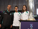Шааф, Озил и Фрингс позируют на фоне Кубка УЕФА