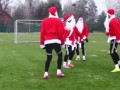 Игроки российского клуба провели тренировку в костюмах Деда Мороза