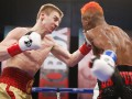 Украинец Иван Голуб победил Марлона Агуаса, поднявшись из нокдауна