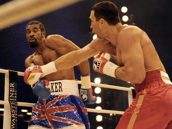 В бое за титул чемпиона WBA Владимир одолел Дэвида Хэя