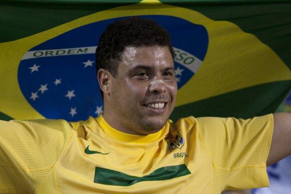 Роналдо попрощался с футболом