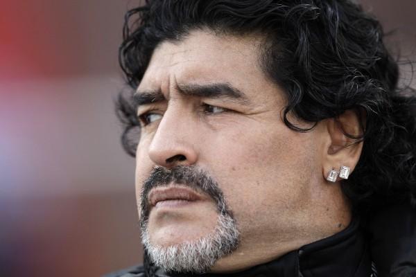 Диего Марадона юридически признал внебрачного сына