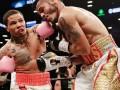 Дэвис победил Куэйяру в бою за титул WBA