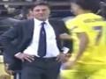 За грудки. Тренер Наполи толкает игрока Вильярреала