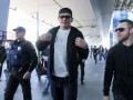Усик вернулся в Украину: видео пресс-конференции в аэропорту
