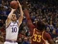 NCAA: Михайлюк провел результативный матч и помог Канзасу победить