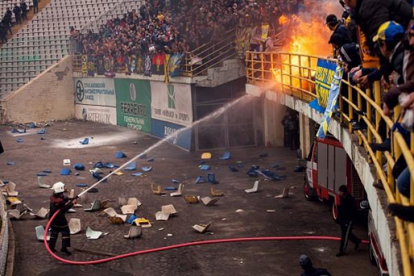 Поведение фанатов на матче Ворскла - Металлист