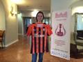Шахтер подарил клубную футболку чемпионке мира по шахматам