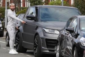 Агуэро разбил свой дорогой автомобиль в ДТП