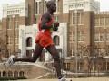 Кенийский спортсмен убежал от двух медведей во время тренировки