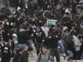 На матче Панатинаикоса произошло столкновение фанов с полицией