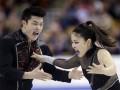 Спортивные кадры недели: Танцы с елками и страсти на льду