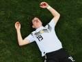 Полузащитнику сборной Германии сломали нос в матче ЧМ-2018