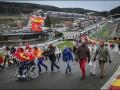 Сотни фанатов поддержали Шумахера акцией на бельгийском автодроме
