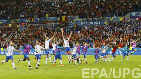 Итальянцы отмечают победу над сборной Бельгии