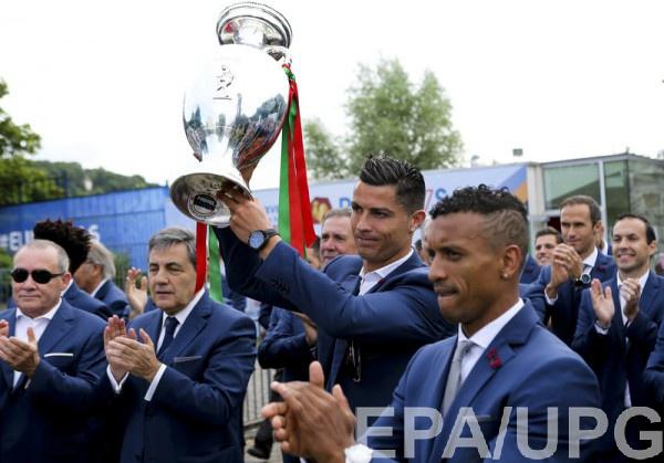 Сборная Португалии приехала домой