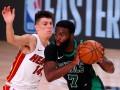 НБА: Бостон обыграл Майами и сократил отставание в серии