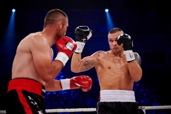 смотреть бокс усик последний бой 2015