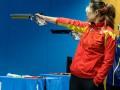 Китаянка легко оформляет золото в пулевой стрельбе