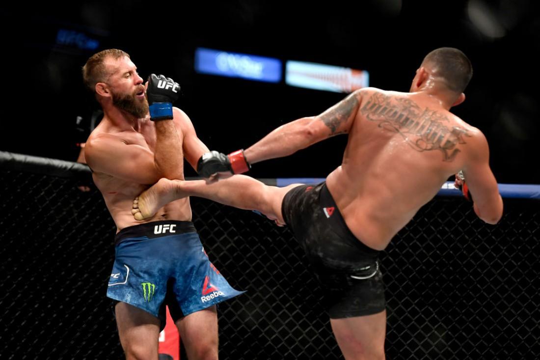 Серроне - Петтис: видео боя на турнире UFC 249
