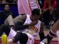 Баскетболист спрятал выбитый зуб в носок и продолжил играть
