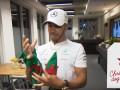 Секретный Санта: гонщики Формулы-1 сделали друг другу подарки