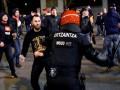 Испанская пресса назвала российских болельщиков варварами