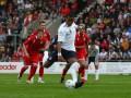 Евро-2012: Английские болельщики привезут надувных овец на матч с Уэльсом