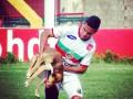 В Бразилии футболист забил победный гол после укуса собаки
