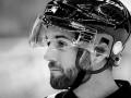 В Чехии хоккейного арбитра убили шайбой во время игры