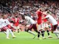 Астон Вилла в обоюдоострой игре дожала Манчестер Юнайтед