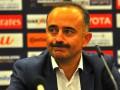 Тренер сборной Узбекистана покинул пресс-конференцию под крики